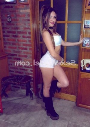 Laya massage escorte girl