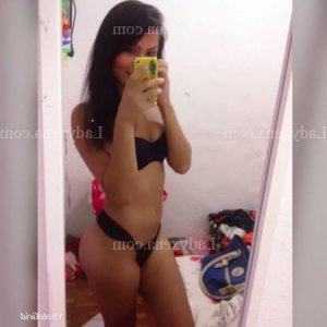 Aouda massage tantrique lovesita escorte à Gennevilliers