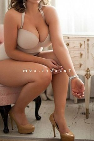 Marie-aure escort girl